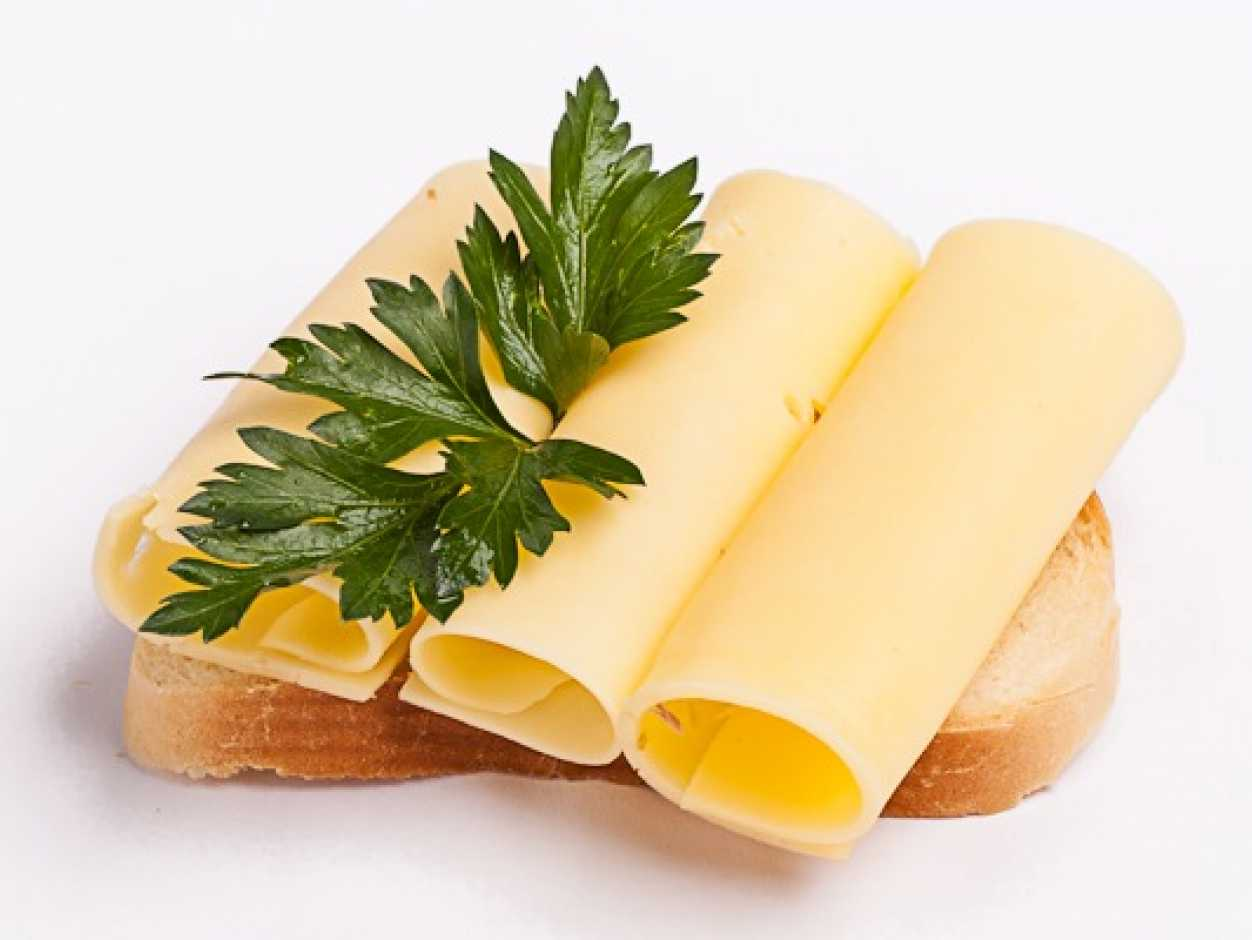 картинка бутерброд с сыром на белом фоне когда